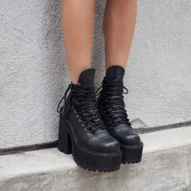 shoes boots black boots black lace boots platform shoes platform boots black platform boots grunge grunge shoes high heels black grunge boots black boots grunge plateau shoes soft grunge high heels boots
