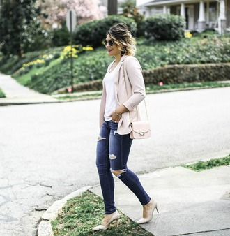 life & messy hair blogger jacket shoes jeans sunglasses t-shirt jewels blazer nude jacket nude bag nude heels high heel pumps