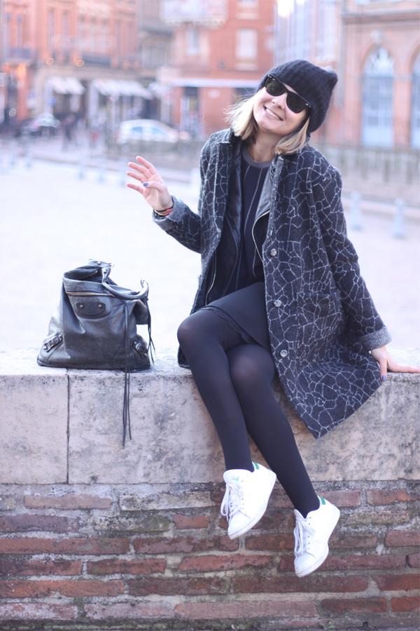 jane's sneak peak coat jacket t-shirt dress shoes hat