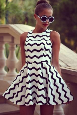 Black and White Chevron Dress - Juicy Wardrobe