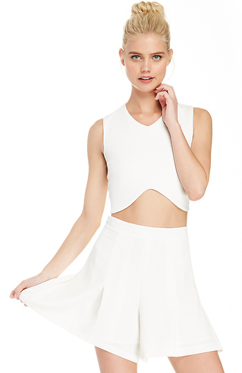 Pleated High Waist Shorts in Ivory S - L | DAILYLOOK