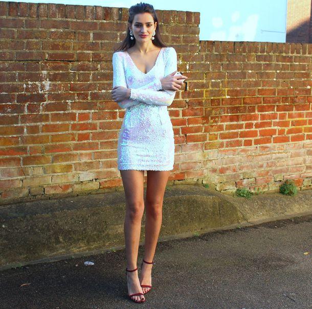 peexo blogger sequin dress white dress earrings sandals dress shoes
