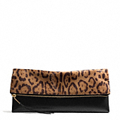 Coach :: THE LARGE CLUTCHABLE IN LEOPARD
