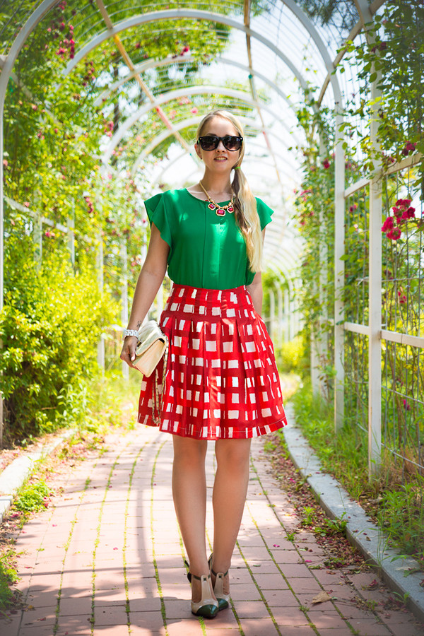my blonde gal skirt bag blouse sunglasses shoes jewels