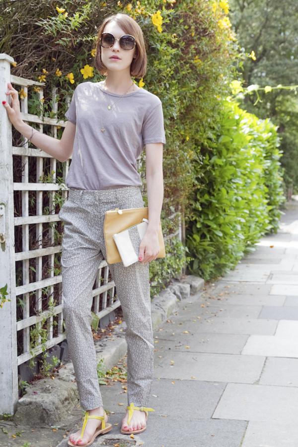 la petite anglaise t-shirt jewels sunglasses shoes pants