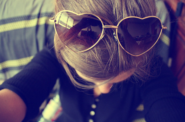 heart sunglasses sunglasses aviator sunglasses heart shaped heart sunglalsses summer summer sunglasses shirt underwear sweet girly sun gold