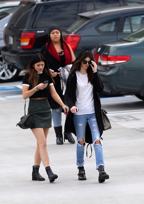skirt kylie jenner kendall jenner boyfriend jeans white top shirt jeans shoes