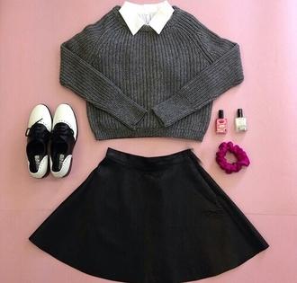 sweater grey sweater gray sweaters white collar white collared top white collar top black skirt skirt oxfords black and white oxfords casual fashion inspo outfit idea cool tumblr tumblr outfit blogger popular sweater style stylish trendy on point clothing cute pretty shoes preppy back to school blouse