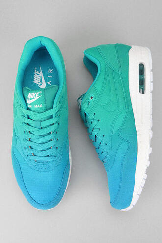 shoes blue green white nike air max lovely color fade ombre nike air sneakers pls lovelovelove turquoise woman shoes nike running shoes tie dye tiffany blue nikes dip dyed ombre blue nike sneakers nike air max 1 jeans nikeeee  wit meisjes stoer donker blauw groen nike shoes dames mooi cool nice