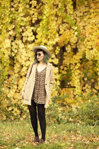 keiko lynn blogger bag sunglasses jewels print