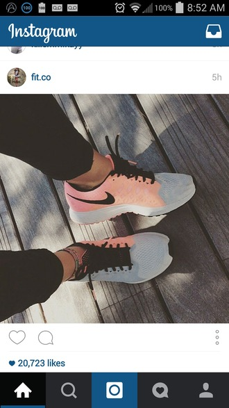 shoes pink grey nike shoes nike salmon pink shoes pink sneakers black leggings roshes grey pink sneakers nike sneakers running shoes nike peach/grey/black shoess nike running shoes