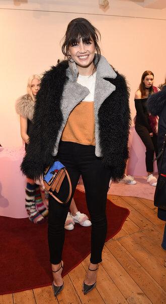 jacket fur blouse sweater daisy lowe fashion week 2016 london fashion week 2016 pumps purse
