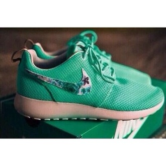 shoes nike running shoes nike roshe run floral lush green nike roshes floral nike shoes womens roshe runs teal roshe runs nike flowers pretty nike roche