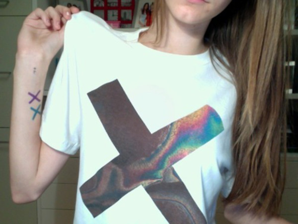 shirt the xx white leggings t-shirt hipster swag yolo tumblr fashion clothes tumblr clothes vintage t-shirt summer white tshirt oily cross grunge t-shirt xx indie alternative pale band t-shirt band merch cross cool holographic trendy style boogzel