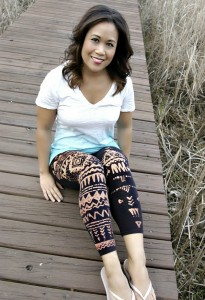DIY Bleach Pen Leggings | Reese Kistel