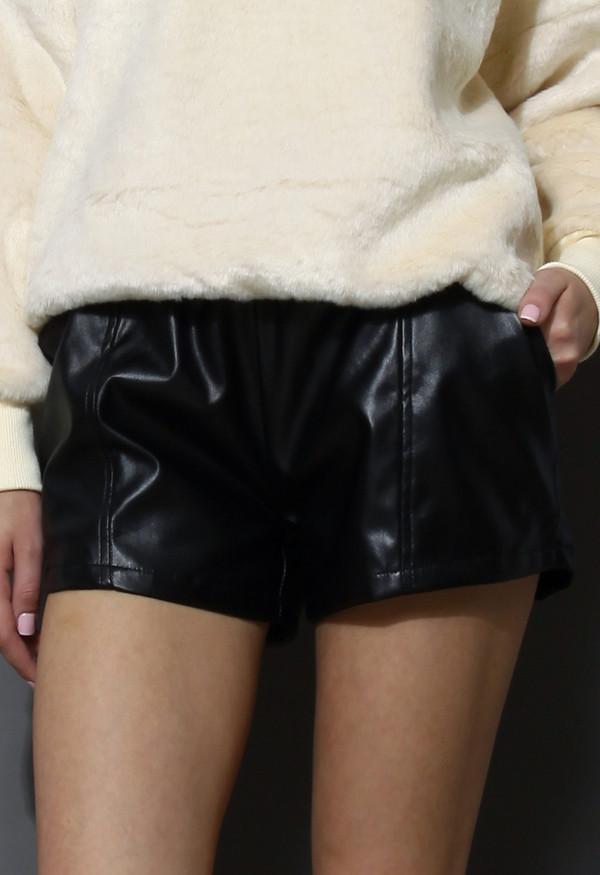 shoes faux leather shorts