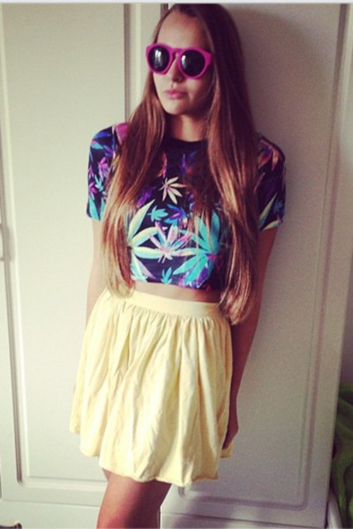 Weed Graphic Crop Top