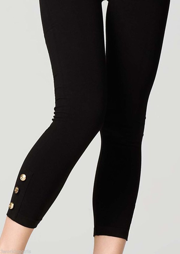 Capri Leggings With Buttons