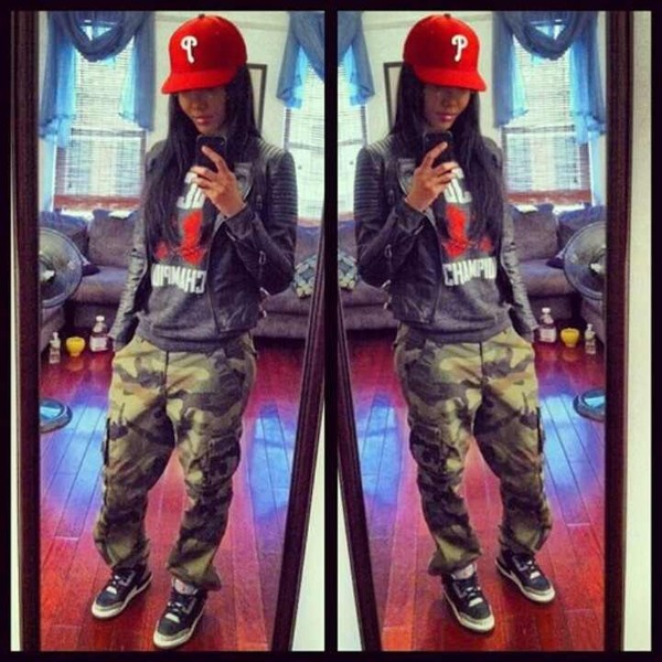 jacket swag girly long hair red black and white camouflage camouflage pants jeans shirt hat t-shirt red camo pants