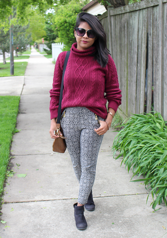 the-colorpalette blogger pants sweater sunglasses bag shoes