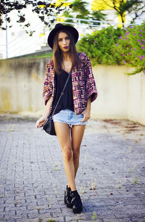 mexiquer hat shorts shoes
