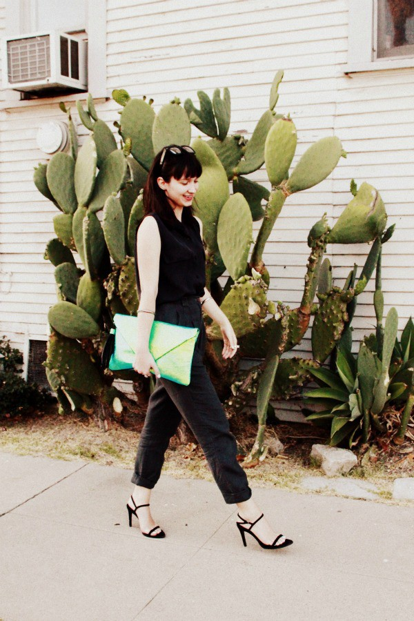 the stylish wanderer pants shoes bag jewels sunglasses