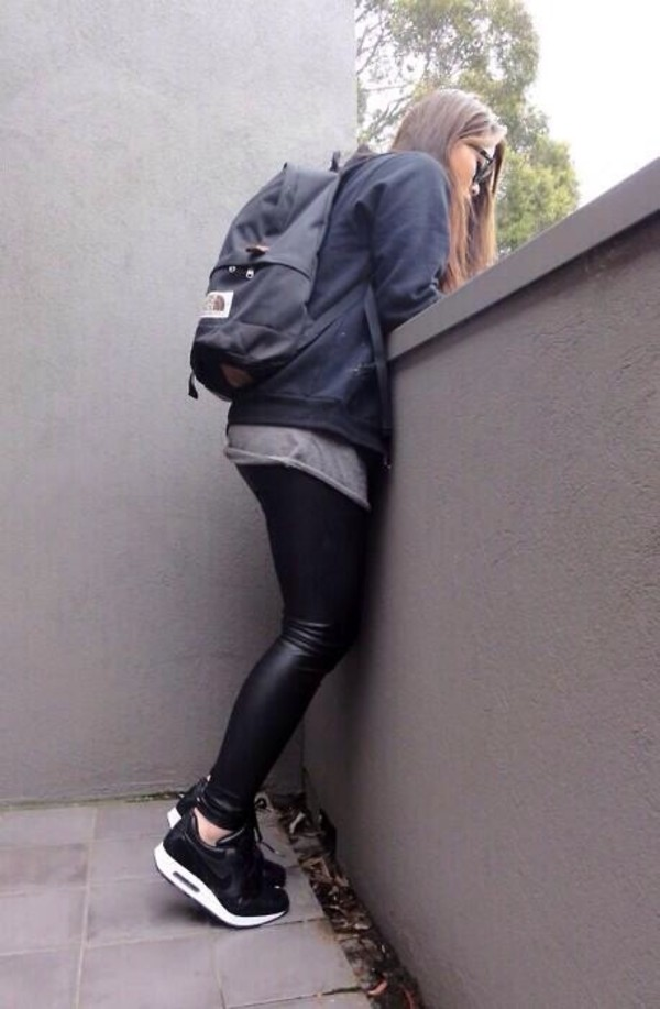 bag jeans shoes sweater shirt black leather pants nike air black white girly pants backpack leather pants nike coat