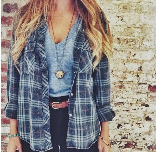 blouse carreaux flannel shirt flannel blue loose shirt jacket grey flannel stripes oversized cardigan oversized jeans high waisted jeans sweater flannel cute girly weheartit t-shirt bull casual black belt brown blonde hair stripes plaid blue shirt blue checkered shirt necklace cardigan comfy checked shirt blue white flannel  jacket pockets top jewels button up t-shirt cool flannel shirt fashion