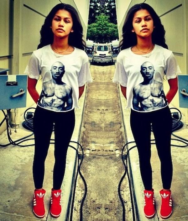 shirt zendaya black white tupac shoes leggings cool shirts