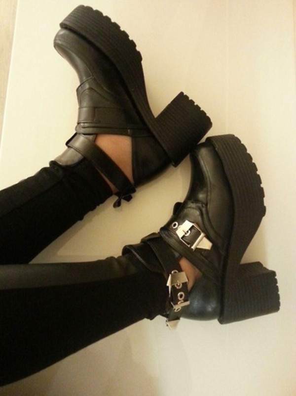 shoes chunky boots black