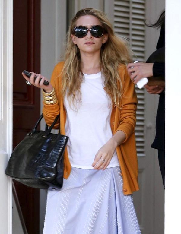 olsen sisters sunglasses cardigan t-shirt jewels bag