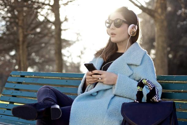 onto my wardrobe blogger blue coat boyfriend coat headphones winter coat