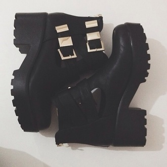 shoes ankle boots buckles gold buckles black ankle boots boot boots cut out ankle boots mid heel boots black andrea russett leather black boots cleated sole cleated sole platforms buckle boots chelsea boots heeled chunky chunky boots fall outfits tumblr shoes platform shoes platform boots grunge shoes grunge