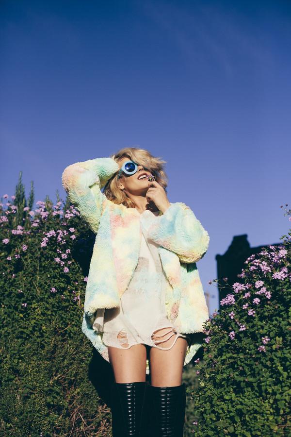 i hate blonde sweater coat sunglasses