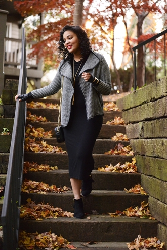 the fashionista next door blogger cardigan gloves grey midi dress pencil dress