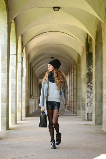stella wants to die blogger sweater leather shorts cut out ankle boots oversized