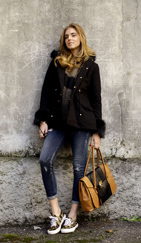 the blonde salad shoes jeans sweater coat jewels bag sunglasses