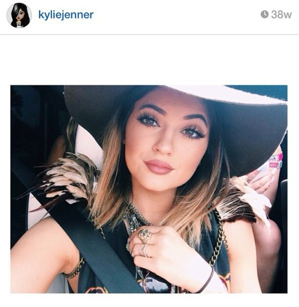 jewels feathers kylie jenner shoes sweater necklace