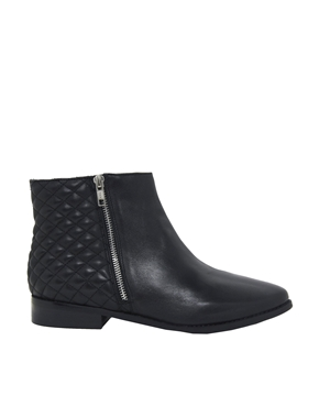 Oasis | Oasis Quilted Chelsea Boots at ASOS