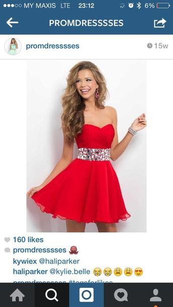 dress pom dress