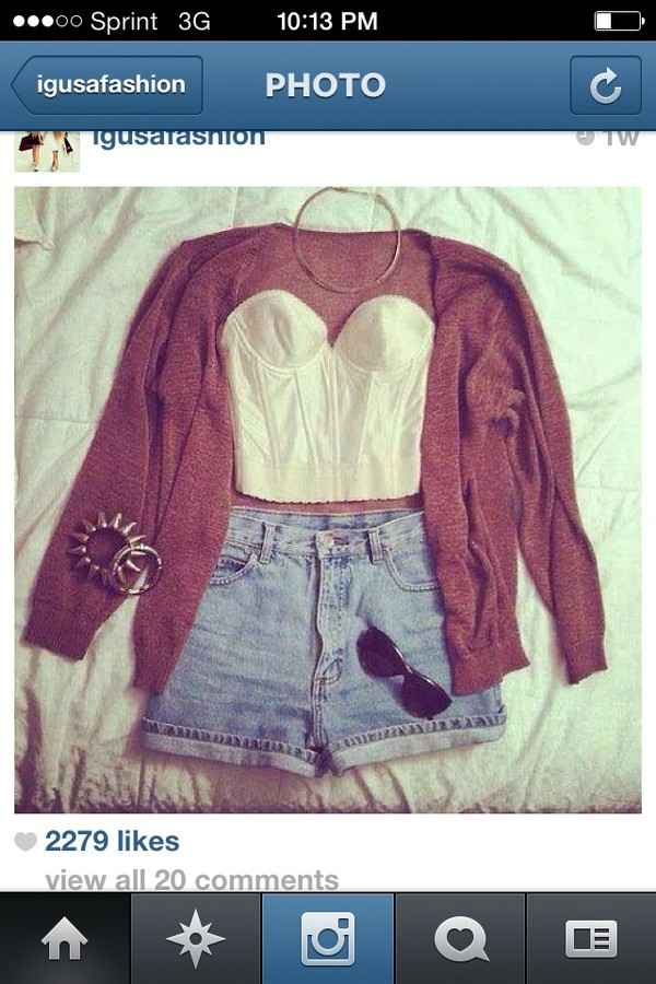 shirt shorts sweater jewels sunglasses