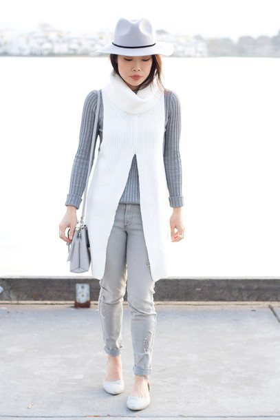 it's not her it's me blogger fedora grey jeans grey sweater knitwear jeans sweater top hat bag jewels sleeveless turtleneck sweater grey hat felt hat grey bag