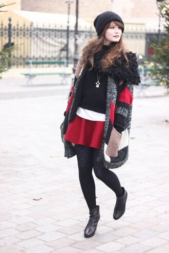 mahayanna blogger red skirt knitted cardigan black boots