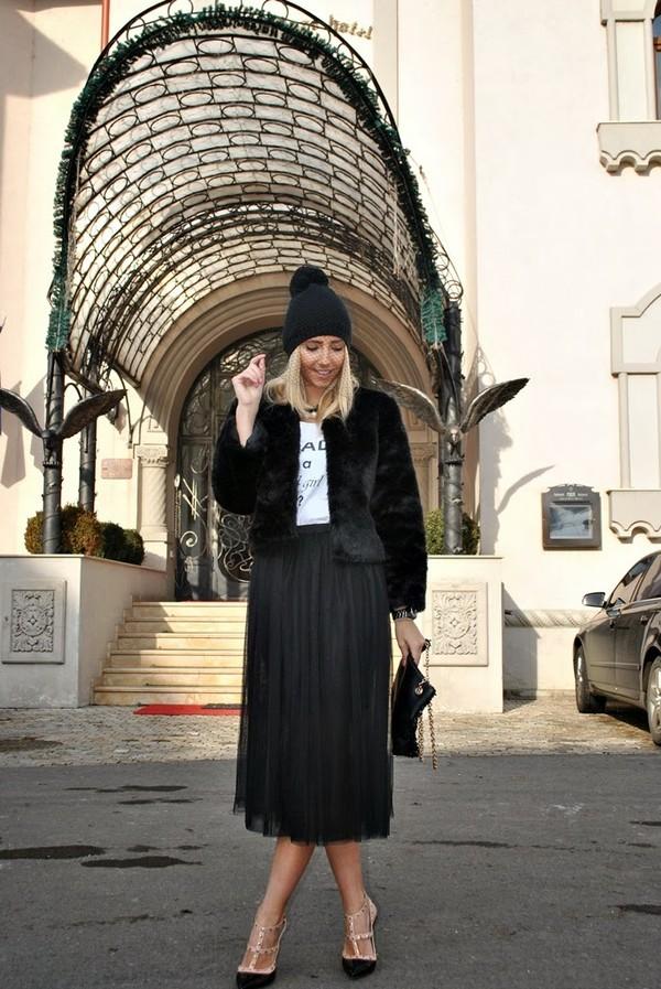 let's talk about fashion ! t-shirt jacket skirt shoes bag jewels