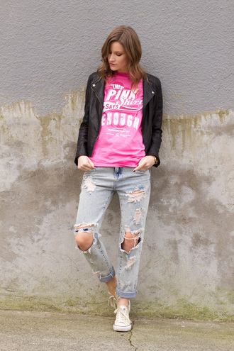 styling my life blogger pink graphic tee ripped jeans converse casual leather jacket shirt jeans shoes jacket