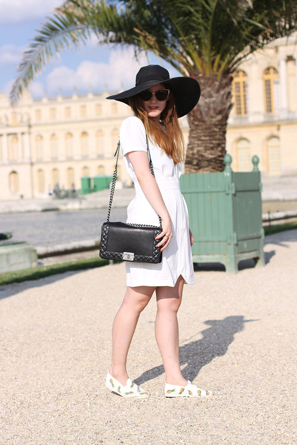elodie in paris bag shoes sunglasses jewels dress hat