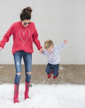 hello fashion blogger sweater shoes mother and child red sweater wellies red boots winter outfits