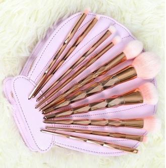 make-up girly pink makeup brushes