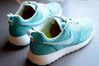 shoes running running shoes nike roshe run roshe runs tiffany blue nikes tiffany tiffany blue tiffany and co tiffany shoes run excersize cool winter outfits fall outfits style run shoes thinspo fit get fit mint