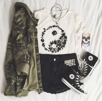 jacket camo jacket camouflage shorts top shirt phone cover jewels t-shirt bag yin yang short black